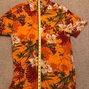 Men's Hawaiian short sleeve bottom shirt size S.